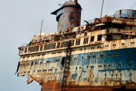 These photos were taken by ship enthusiast Danny Cleavely.